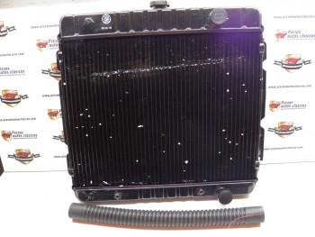 Radiador Dodge de alta capacidad y manguito necesario
