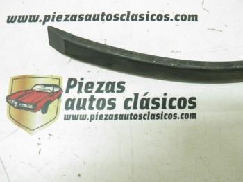 Moldura aleta trasera derecha  Renault 4 GTL   Ref: 7702110290